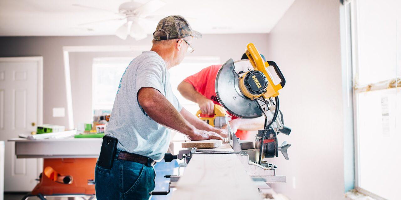 Hvordan finder man en billig håndværker?